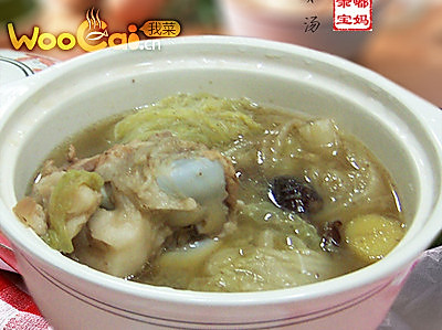 润肤靓汤:白菜猪骨汤的做法