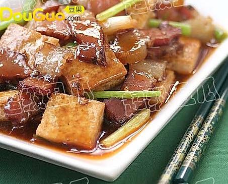 腊肉烩豆腐的做法