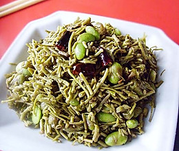 """传说中能""""起死回生""""的菜------菱藤炒毛豆的做法"""
