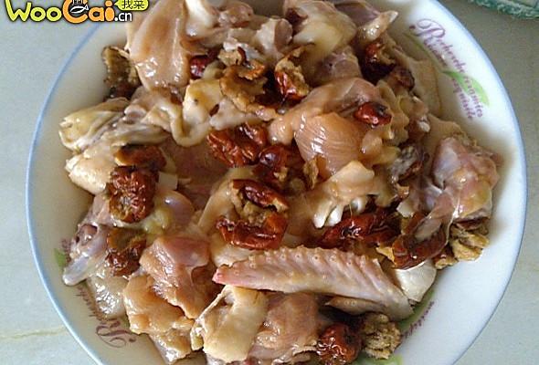 蒸红枣鸡的做法