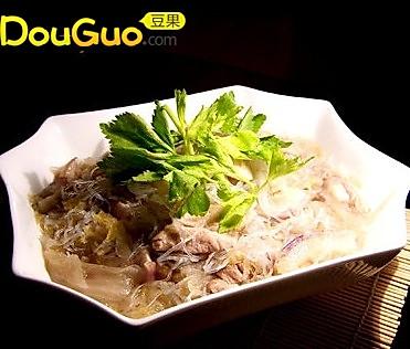 酸菜粉丝炖白肉的做法