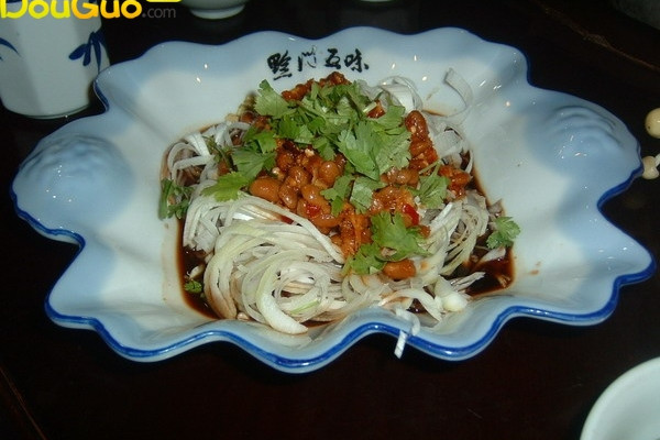 风味水豆豉拌大葱(黔菜出山)的做法