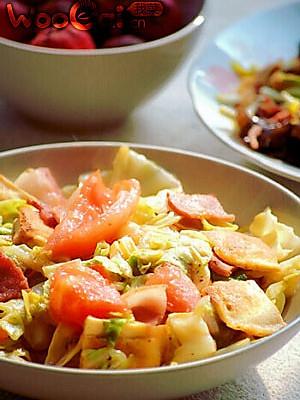 培根西红柿炒圆白菜豆干的做法