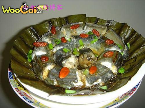 荷叶蒸鳗鱼的做法