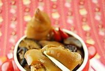 香菇红枣脱骨美容猪蹄煲的做法