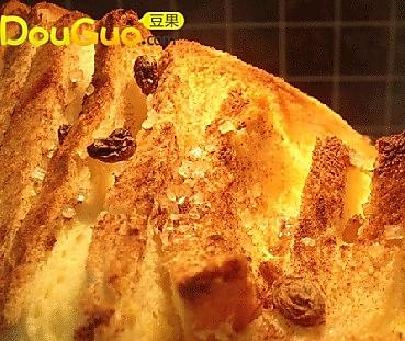 """阳光早餐——""""面包布丁""""的做法"""