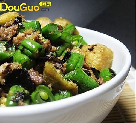 榄菜肉碎豆泡炒四季豆的做法