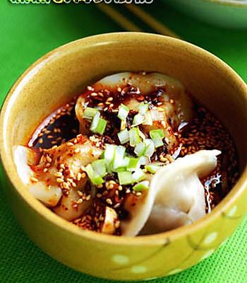 红油酸汤水饺的做法
