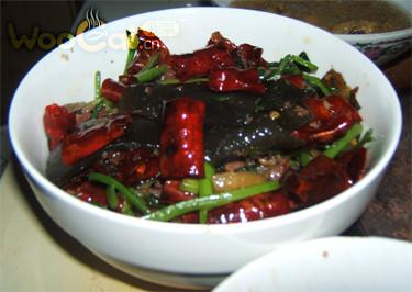 蕨粑芹菜炒火腿的做法