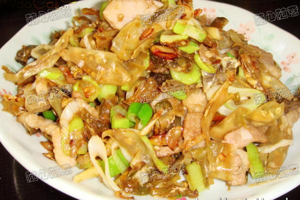 白辣椒炒肉的做法