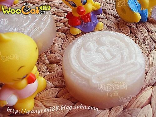卡通奶黄月饼