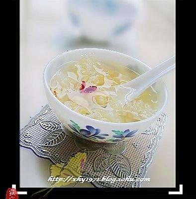 百合莲子银耳汤