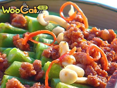 金针排骨酱焖扁豆的做法