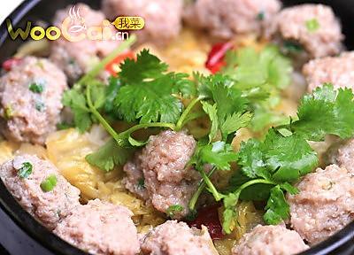 石锅酸菜丸子的做法