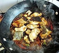 干锅香辣鱼块的做法图解14