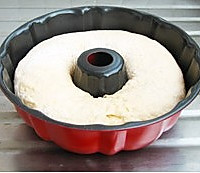肉松咕咕霍夫面包的做法图解5