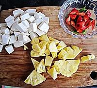 菠萝咕噜素肉的做法图解2