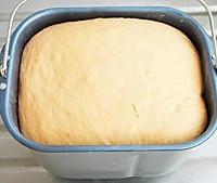 肉松咕咕霍夫面包的做法图解2