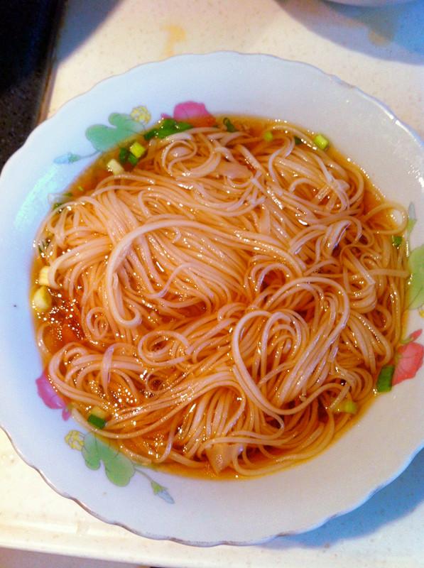月子美食·姜蛋索面汤的做法图解10