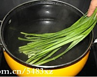 韭菜卷的做法图解2