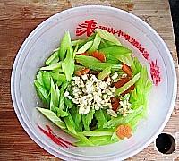 芝麻拌芹菜的做法图解7