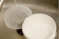 电饭煲做酸奶的做法图解3