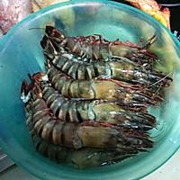 油爆大虾的做法图解1