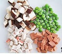 三鲜豆腐锅的做法图解1