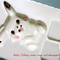 皮卡丘和机器人巧克力的做法图解1