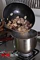 酱焖香菇牛腩的做法图解7